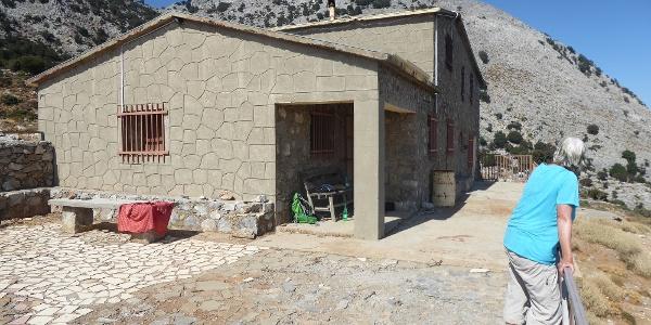 An der Prinos-Hütte