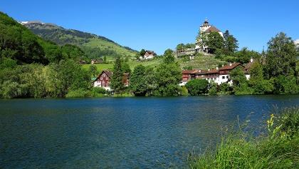 Werdenbergersee und Schloss Werdenberg.