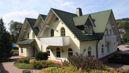 Landgasthof & Hotel Grüner Hahn Außenansicht