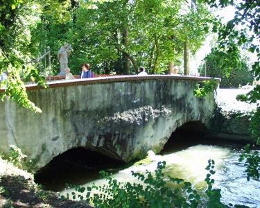 Aachbrücke im Stadtgarten