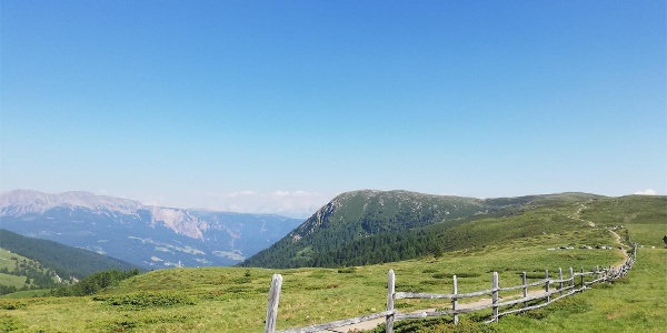 Vista panoramica dal Sentiero Europeo E5
