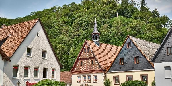 Auf dem historischen Marktplatz in Wirsberg