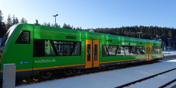 Anreise z. B. mit der Waldbahn bis Bayerisch Eisenstein