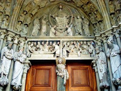 Lausanne: Kathedrale - Portal