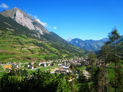 Blick zurück auf Orsières und Le Catogne