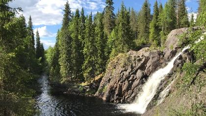 Hepokönkään vesiputous on yksi Suomen korkeimmista vesiputouksista