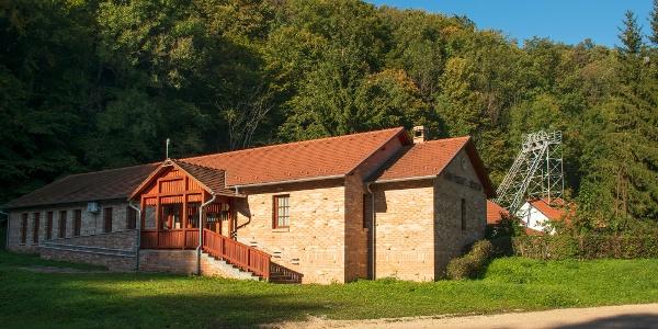A Csinger-völgyi bányamúzeum, túránk kiinduló- és végpontja