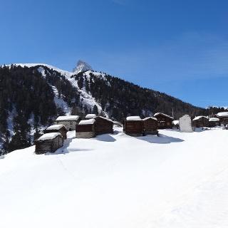 The hamlet Zmutt in Winter