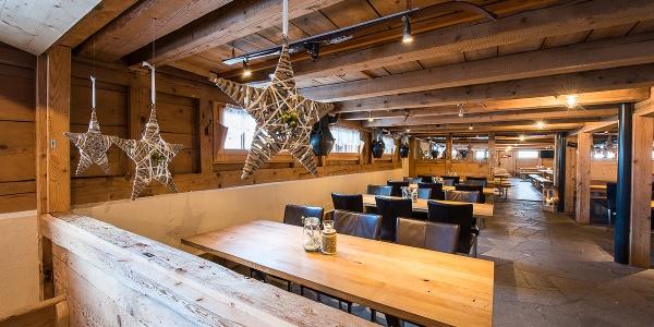 Heimelige Atmosphäre in der Skihütte Schwand