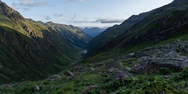 Ausblick ins Garneratal von Tübinger Hütte (c) Martin Vogel / Vorarlberg Tourismus