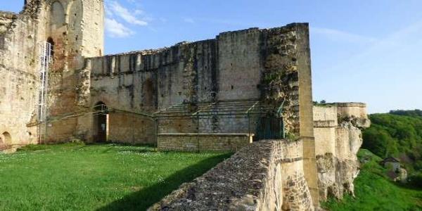 Remparts du château de Carlux