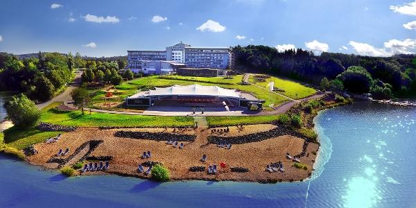 Blick auf das Bio-Seehotel am Zeulenrodaer Meer