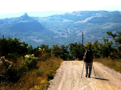 Abstieg ins Tal der Orcia