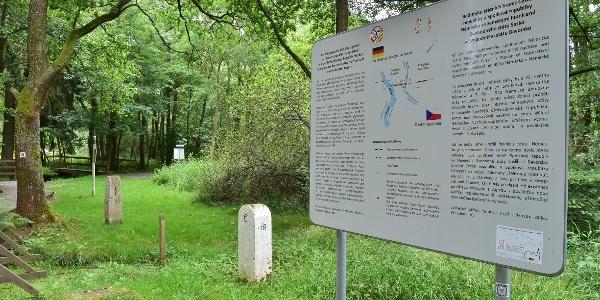 Erinnerungstafel am Dreiländereck bei Eichigt und Prex