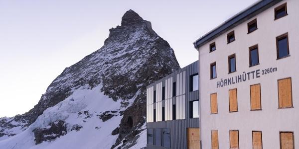Die Hörnlihütte einsam im Winter