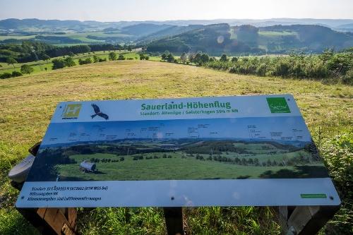 Sauerland-Höhenflug:  Qualitätswanderweg von Altena nach Korbach