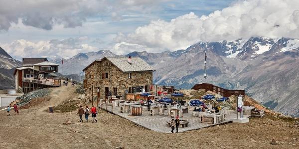 Steinhütte auf Längfluh