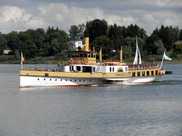 Chiemsee-Schifffahrt ab Gstadt
