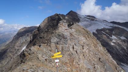 Gipfel Herzog-Ernst-Spitze mit Blick nach Osten Richtung Scharek