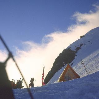 Sturmnacht im Anzug, Camp 6400m