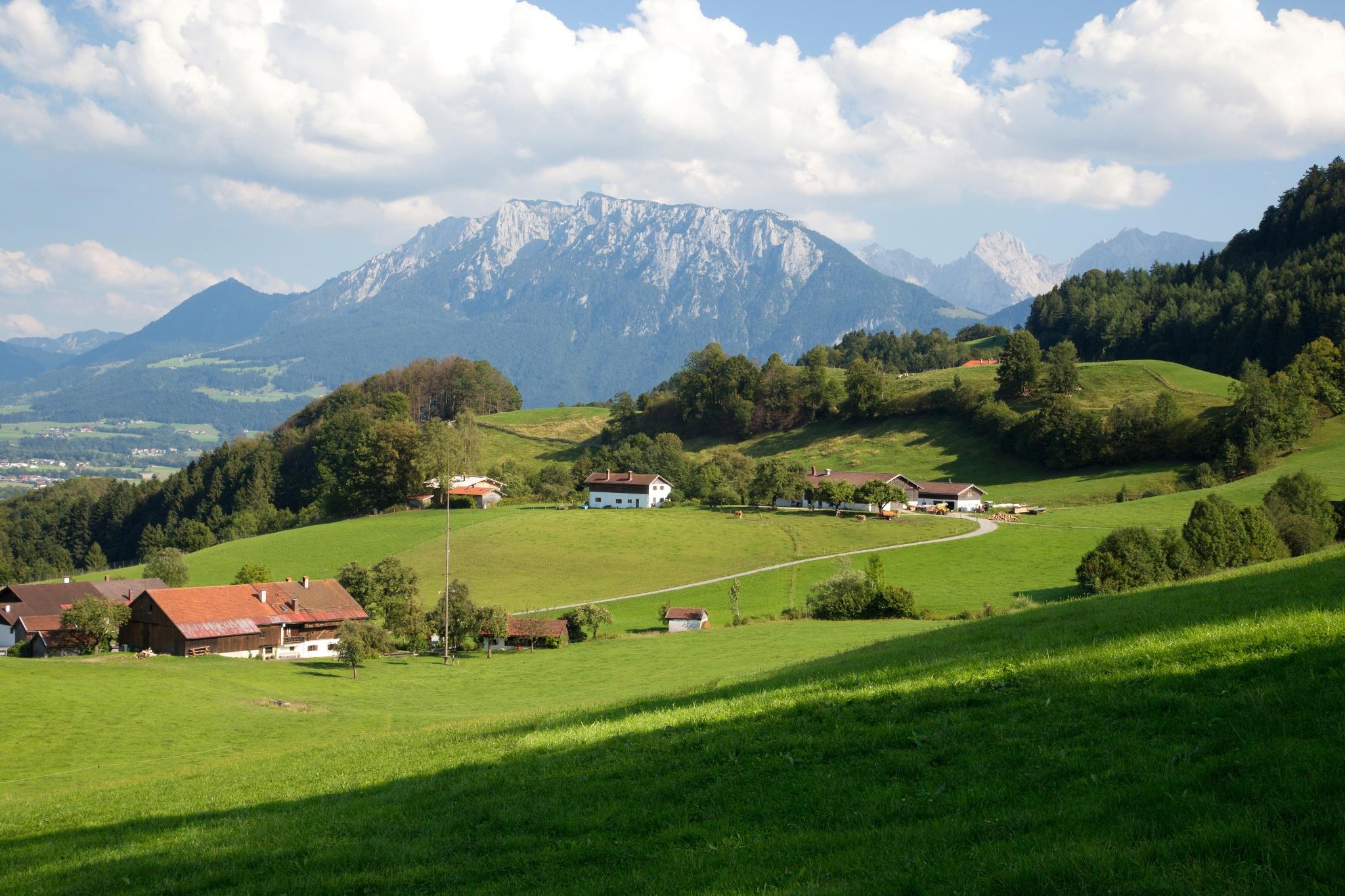 Aussicht Rundweg Kleinberg bei Grub auf das Kaisergebirge