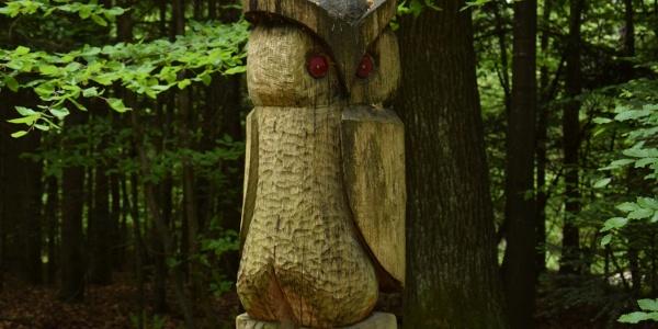 Holzfiguren Richtung Fürstberg
