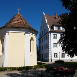 Schloss und Kapelle in Gurtweil