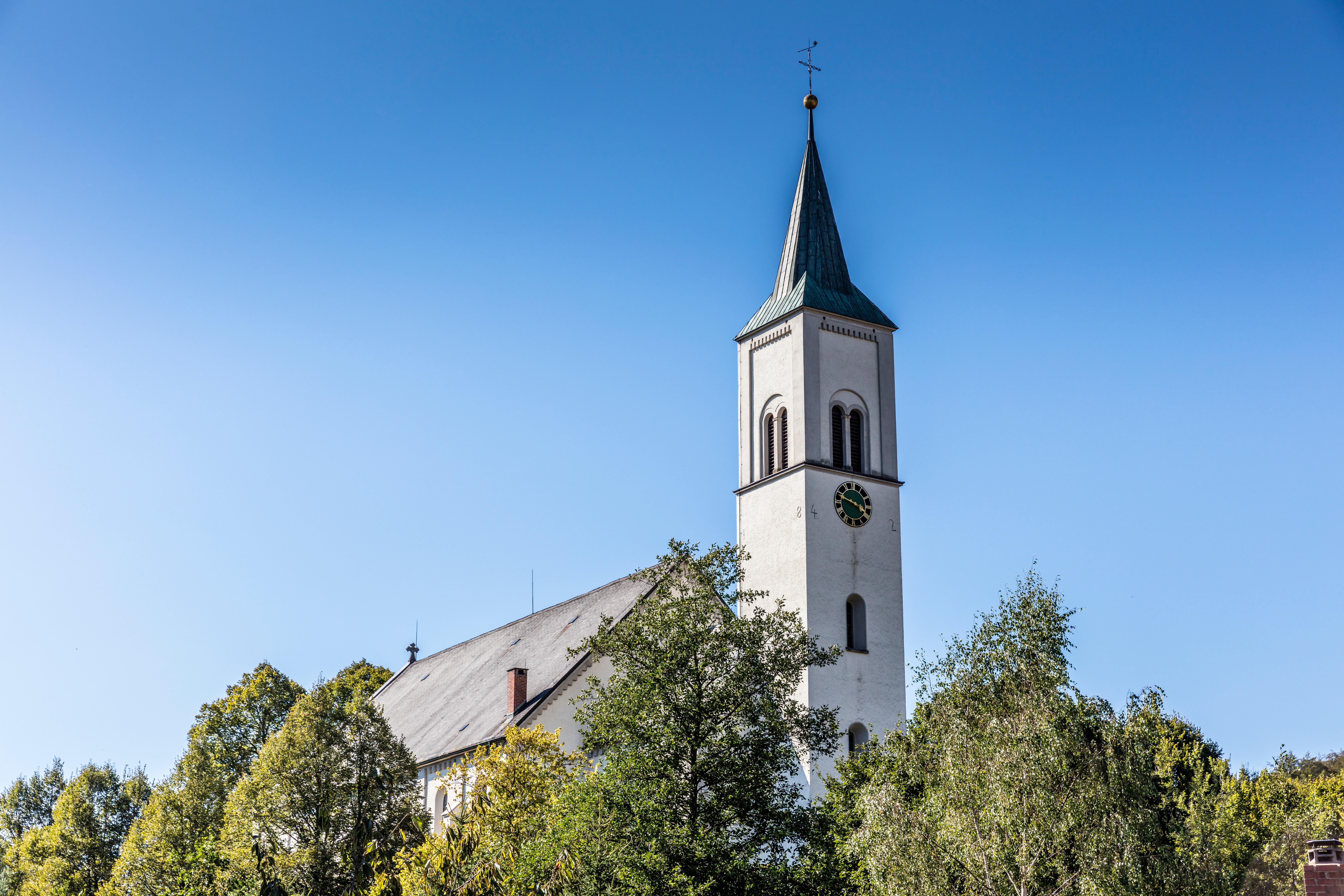 Rickenbach_Kirchturm_Fotograf Spiegelhalter