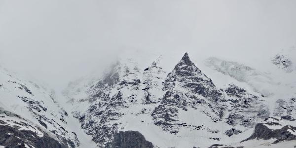 雨崩村冬季风景