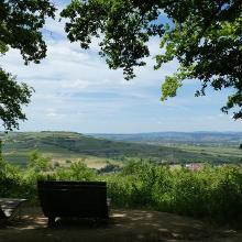 Blick auf den Laurenziberg, das Nahetal und Hunsrück