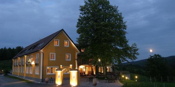 Boutique-Hotel Moserhof bei Nacht