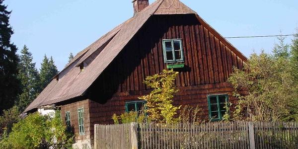 Außenansicht Ferienhaus im Wald - Auf der Stift 85