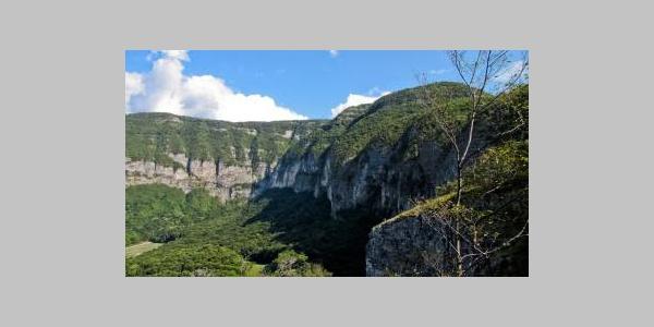 """L'incredibile """"cratere"""" di Cadino Alto"""
