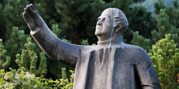 Spomenik Jakoba Aljaža