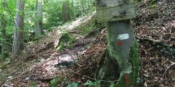 Das ehemalige Schild des Höhenweges