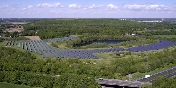 Luftbild des Solarparks Mühlenfeld