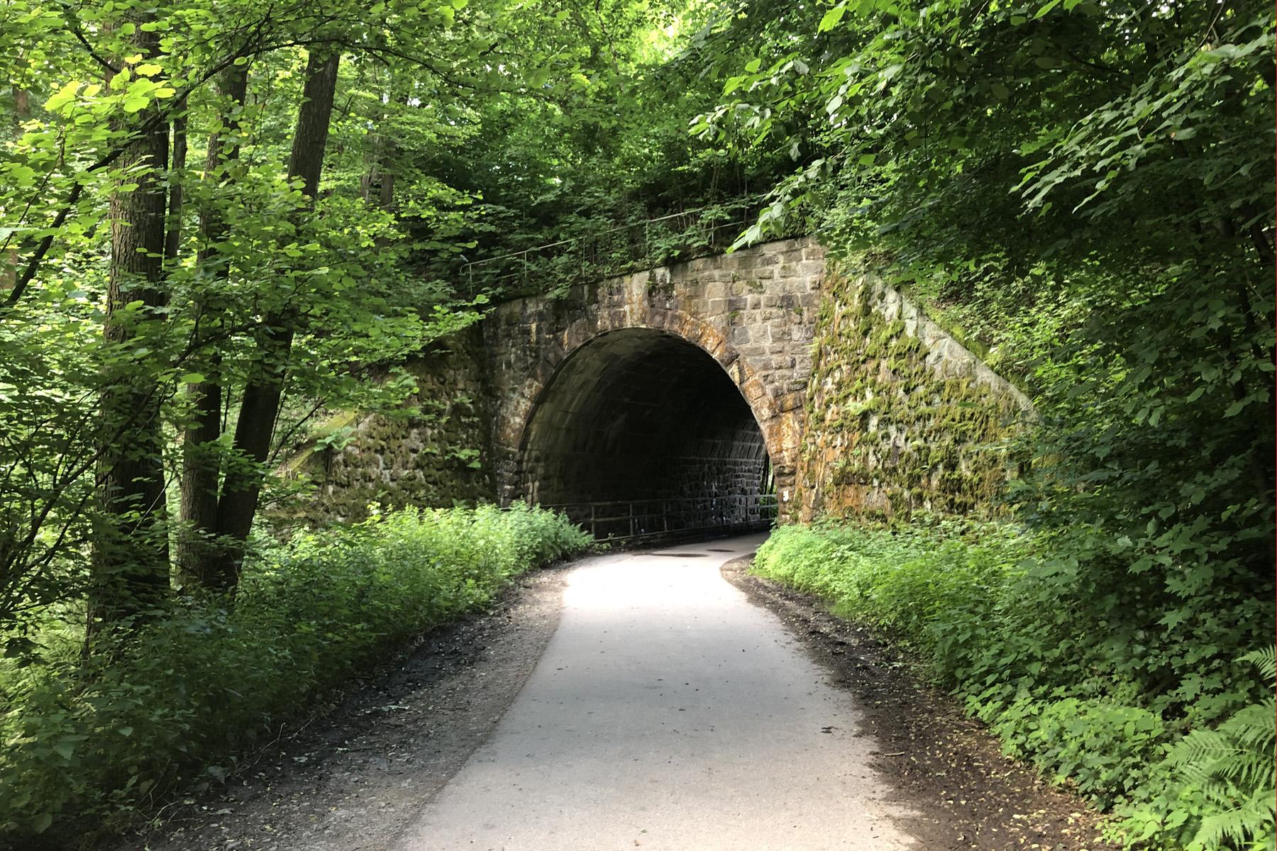 Eisenbahnunterführung zwischen Schönbach und Sebnitz