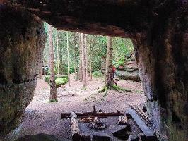 Foto Blick aus dem Kuhstall an den Nikolsdorfer Wänden