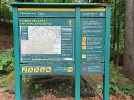 Foto Die Informationstafel über den Forststeig
