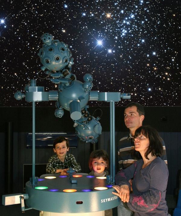 Zeiss-Planetarium und Volkssternwarte Drebach