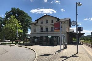Foto Bahnhof Neustadt in Sachsen