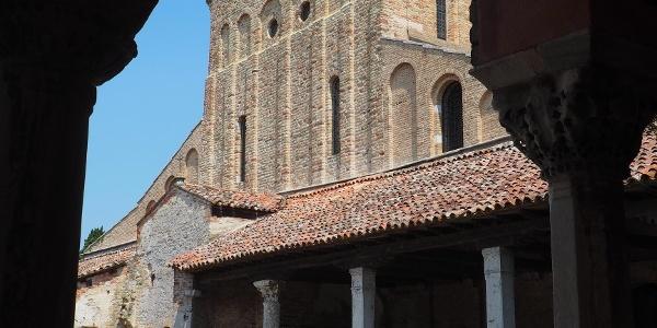 Torcello / Basilica di Santa Maria Assunta - průčelí
