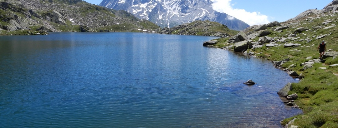 Der See ist wirklich ganz blau