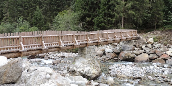 """Passerella in legno lungo """"Tutto il bosco in un sentiero"""", Val di Borzago"""