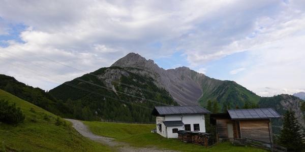 verlassenes Gipfelhaus am Marienbergjoch