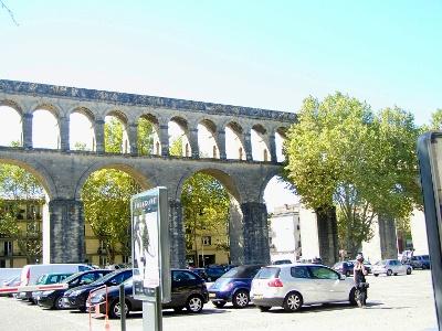 Montpellier: röm. Aquädukt beim Reservoir