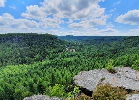 Foto Aussicht von der Grenzplatte nach Ostrov (Eiland/CZ)
