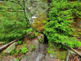 Foto Der Eingang in die Bennohöhle