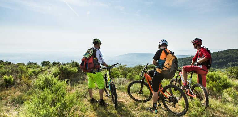 Stage 15 Gtmc Vtt Clermont Ferrand Volvic Mountain Biking Outdooractive Com