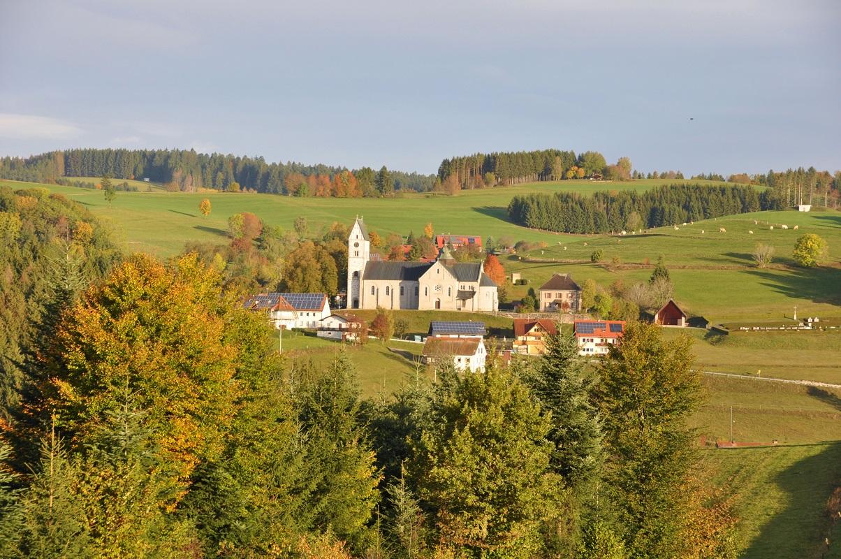 Hierbach mit Kirche